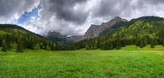 Dolina Maej ki - Wielka Polana Maocka (Mariusz Petelicki) Tags: panorama hdr tatry giewont tatramountains mariuszpetelicki dolinamaejki