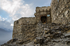 Khaphocho Fort - Skardu (M.Omair) Tags: road city autumn winter brown white snow tree water beautiful yellow fog clouds river sand nikon desert fort top peak valley omair leafs indus vr 18105 skardu baltistan shigar virgomair d7000 imomair kharpachu gilgitl kharphocho