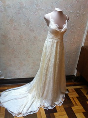 Vestido SOPHIA LOREN  (A MODISTA LOJA) Tags: wedding love beautiful modern vintage bride couple heart amor style valentine retro amour valentines romantic bouquet casamento bridal mariage casal namorados liebe noiva vintagestyle atelier fiancee bridalfashion retrostyle buquet mariee vestidodenoiva vintageweddingdress vintagewedding vestidovintage modernwedding casamentonafazenda casamentoaoarlivre retroweddingdress amodista vintagebridal retrowedding casamentonapraia vfashion casamentonocampo vestidoretro vestidadenoiva lojaamodista vestidonoiva atelieramodista moderncouple retrobride retrobridal atelierdenoiva vestidodenoivavintage noivavintage vintagemariage noivaretro casamentodiurno casamentonosito vestidodetule vewstidodenoivaretro noivatule vestidodenoivatule retrostylebride