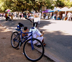 PAUSA (dirceu1507) Tags: bike bicycle portoalegre redenção bicicleta riograndedosul fahrrad bicicletas bicicletta biciclette parquedaredenção praças vèlo portoalegrers biciurbana