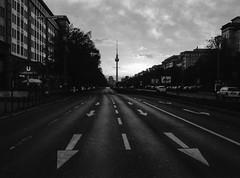 Frankfurter Tor (funkead) Tags: blackandwhite berlin film me analog pentax schwarzweiss friedrichshain pentaxme karlmarxallee frankfurtertor kentmere kentmere400 funkea funkead
