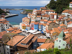 Cudillero (Adrin Nieto Rodrguez) Tags: roof sea espaa costa water colors beautiful puerto coast spain village pueblo asturias cudillero marinero cantabrico cachopo