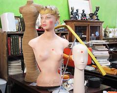 Buste Chanel chez Vitry fada. (Anne-Christelle) Tags: vintage retro chanel brocante buste valdemarne vitrysurseine