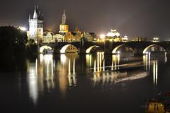 Praga | Vltava - Moldava nocturno (mariosantiaguino_) Tags: rio prague praha praga vltava moldava