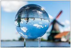 Glazenbol molens (voorhammr) Tags: gras zon zaanseschans zaandam molens 2016 vakwerk huisjes blauwelucht jolandakraus