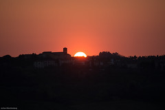 Sunset behind Castelnuovo d'Elsa (drzoidbergh) Tags: toskana sunset cambiano castelnuovodelsa tuskany