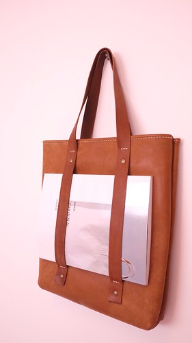 cindy kuo - Leather Tote Bag