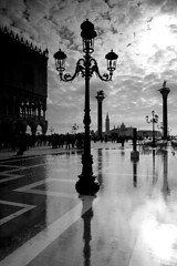 The water in St. Mark's Square / Voda na nmst svatho Marka (Jirka Chomat) Tags: city venice light blackandwhite italy reflection lamp reflections square flood lampa aquaalta nmst msto itlie svtlo bentky ernobl zrcadlen zplava