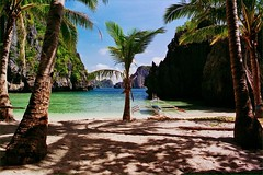 El Nido (iTimbo61) Tags: travel blue sea white travelling beach water beautiful palms sand asia warm paradise philippines olympus el beaches tropical nido om1 palawan torquoise e500 travelphotography olympuscameras