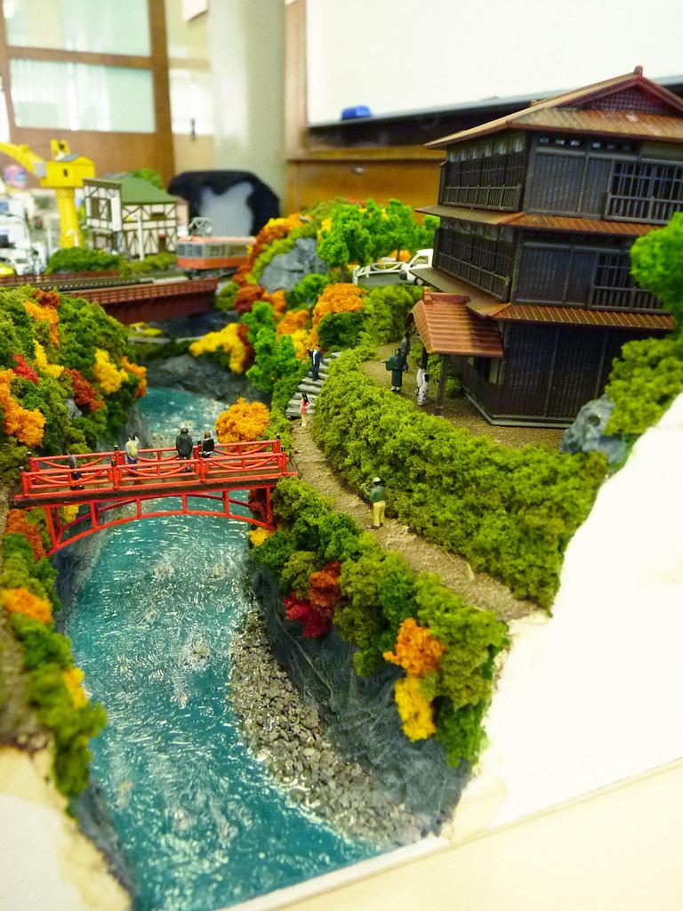 how to build a diorama