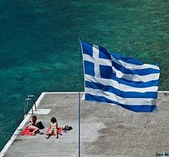 _DSC9980 Syros (Jack-56) Tags: nikon grèce cyclades drapeau îles syros ermoupoli d700 joliesfemmes îlesgrecqyes