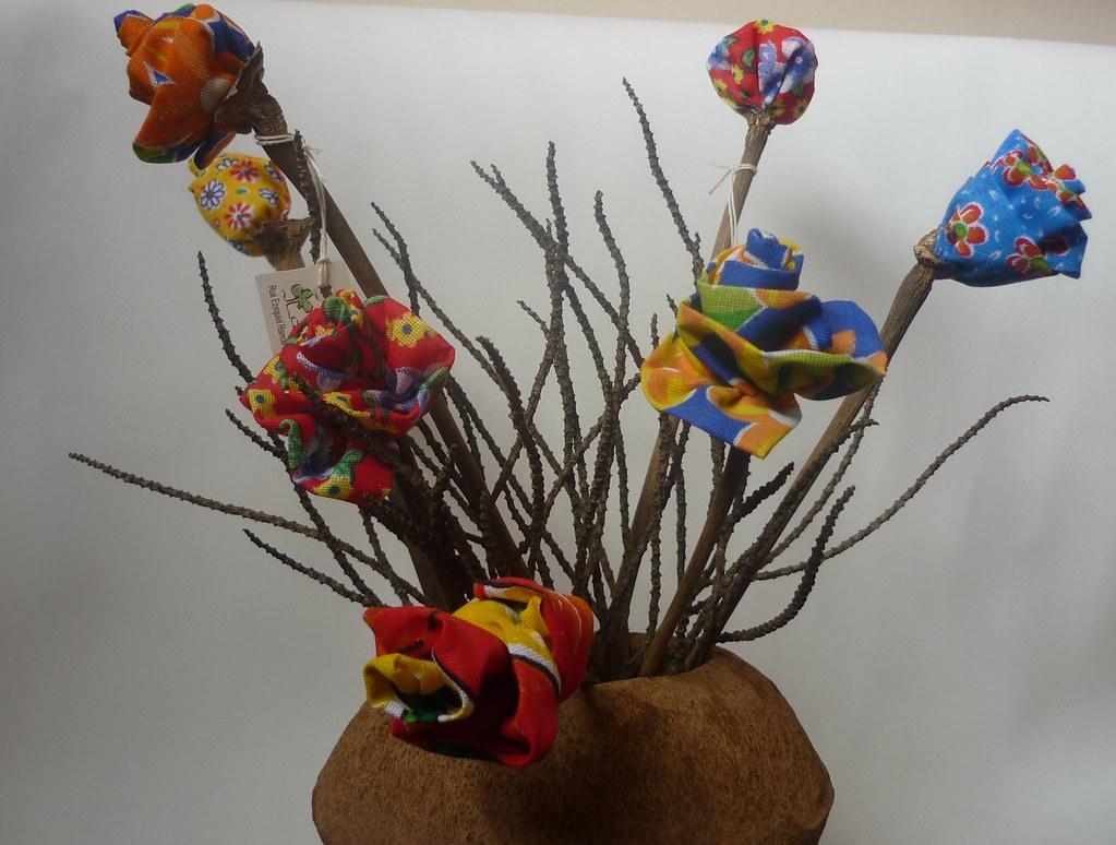 Flores de chita (Artecologica) Tags: arte artesanato reciclagem chita  #A87523 1024x774