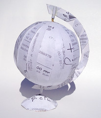 Globe en papier - Didier Boursin