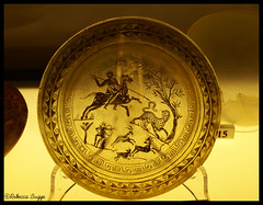 Glass plate (DameBoudicca) Tags: italien italy rome roma glass italia roman hunting plate antica antigua hunter jakt plato rom glas italie hunt vidrio assiette jagd teller verre chasse caza vetro cazador antiquity romaine  caccia piatto antiquit   chasseur jger tallrik  antiken  altertum romersk jgare