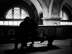 Met Museum Couple (Davoud D.) Tags: nyc blackandwhite newyork love museum bench couple candid romance met newyorknewyork tender themet uppereastside metropolitanmuseumofart candidphoto 1000fifthavenue