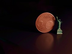 Sometimes, Liberty can be smaller than a coin (Nicolas -) Tags: money france macro reflection statue dark idea coin message euro 5 cent small reflet reflect sombre libert copper concept value figurine reflexion pice petit monnaie cuivre yvelines actualit valeur nicolasthomas macromondays smallerthanacoin