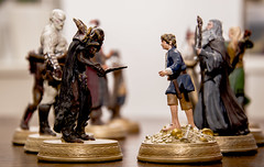 241/365 Everyday's a battle (darioseventy) Tags: gandalf lordoftherings hobbit frodo statuine ilsingnoredeglianelli