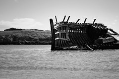BWJPG---IMG_6411 (r4ytr4ce) Tags: ireland blackandwhite beach landscape 50mm boat eire donegal ire trchonnaill