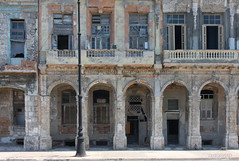 Malecn - Havana (-AX-) Tags: havana cuba faade malecn centrohabana btimentimmeuble