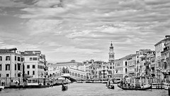 Under the iron sky (Channed) Tags: city travel sky bw holiday water monochrome boat vakantie canal europa europe grandcanal stad itali reizen veneti chantalnederstigt
