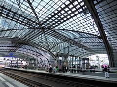 Hauptbahnhof - Central Railwaystation (Gertrud K.) Tags: berlin mitte centralrailwaystation