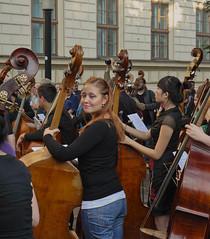 """""""Join now !"""" (Tadeusz Ludwiszewski) Tags: music streetphoto doublebass"""