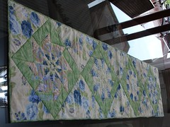 Caminho de Mesa (Coisas de Arteira - Cinthia) Tags: seminole patchwork bolsa manta tecidos necessaire costuras frasqueira caminhodemesa capadegalo janelasdacatedral