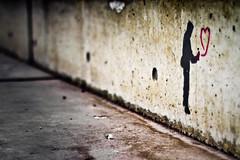 (thombe77) Tags: streetart love lines canon germany deutschland eos 50mm graffiti klein heart small magdeburg 7d herz liebe sprayer linien sprühen