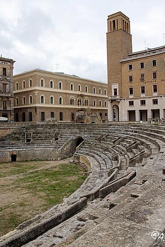 italia foro romano chiesa piazza monumenti salento puglia... (Photo: Art Gamila on Flickr)