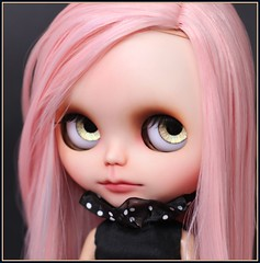 Uma (*Sweet Days*) Tags: carved artist carving blythe custom modded saran reroot creayations