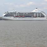 Arrivée du paquebot Seven Seas Voyager sur Bordeaux - 30 mai 2012 thumbnail