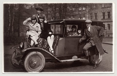 Opel 4/16 PS Limousine (Raymondx1) Tags: 1920s white black classic cars car vintage photography photo automobile foto sw motor opel roaringtwenties twenties laubfrosch silkstockings blackwhite opel4ps