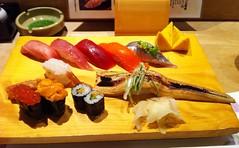 「特選びっくり」セット Sushi Set