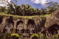 Gunung Kawi temple (Marina Nozyer) Tags: bali green indonesia temple outdoor religion gunung hindu tampak kawi siring hinduist tanpaksiring