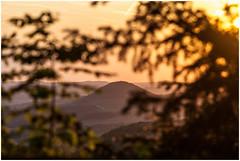 Sunset .. (:: Blende 22 ::) Tags: trees sunset sun clouds germany landscape deutschland evening thringen sonnenuntergang cloudy wolken thuringia german landschaft sonnenstrahlen eic uder abends landkreis bewlkt eichsfeld heilbadheiligenstadt rusteberg canoneos5dmarkii ef2470f28liiusm maienwand