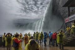 Close to the beast (Westhamwolf) Tags: canada water niagara falls journey behind