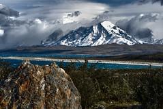 Llegando a las Torres del Paine (Sebastin Herrero) Tags: chile patagonia mountain nature nikon colores otoo paine dx d5000