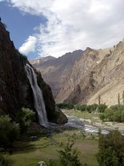 Manthoka Fall, Skardu (zafaryaab) Tags: park pakistan two mountain fall beautiful museum river temple high julian ruins village motorway eagle m1 shangrila resort national killer highways peshawar roads kashmir budha m2 lahore indus headed islamabad gilgit taxila gandhara dapa deosai nangaparbat skardu baltistan sadpara kachura ghandhara kharmang texila khaplu 8126m aabshaar sirkup stukchan manthoka montesory
