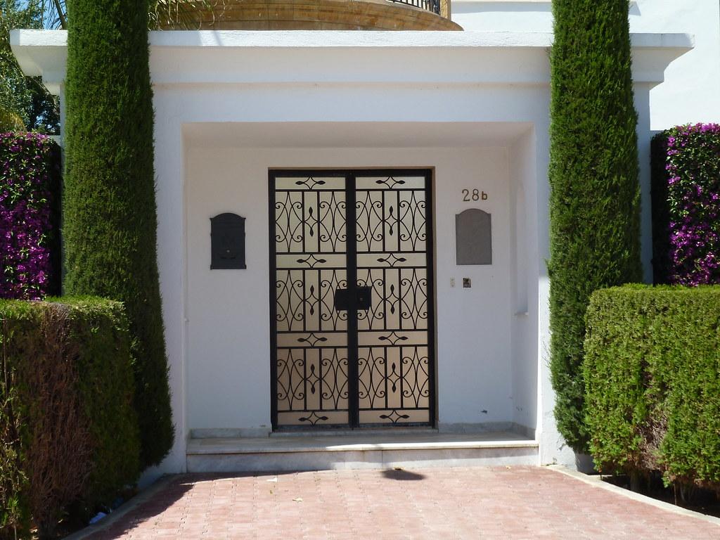 Entree maison exterieur tunisie for Porte entree exterieur