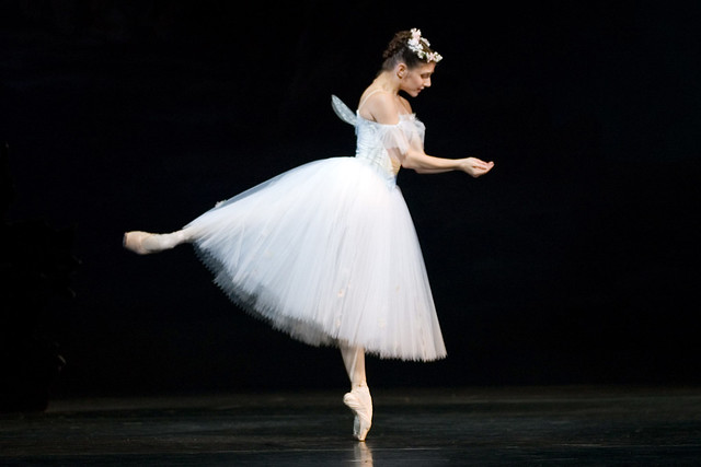 Alina Cojocaru as The Sylph in La Sylphide © Johan Persson/ROH 2005