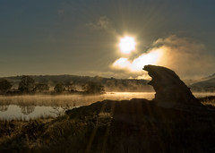 Old Man Rock (Ian@NZFlickr) Tags: autumn mist rock sunrise real rising bravo dam central alexandra nz otago beams sillhouette butchers