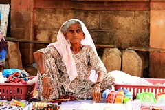 IMG_6738 (Salad jar) Tags: poverty old woman india shop lady needs saree gujarat