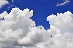 Blue sky with white clouds (e.nhan) Tags: blue sky cloud white nature clouds enhan