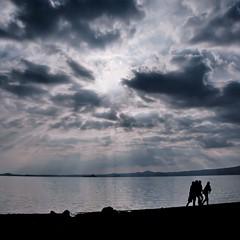f r i e n d s (s@brina) Tags: friends sunset italy lake lago tramonto sole amici complicity bolsena raggi