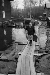 Scan-160509-0012 (Oleg Green (lost)) Tags: people bw film 35mm river flood russia voigtlander rangefinder 100 rodinal province fomapan canon7 2535