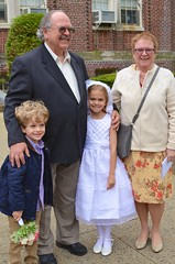Family Photo After Violet's First Communion (Joe Shlabotnik) Tags: violet nancy everett firstcommunion verne 2016 afsdxnikkor35mmf18g may2016