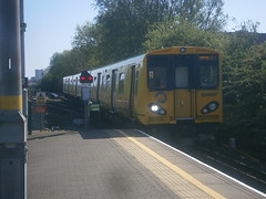 507027 @ Sandhills (ianjpoole) Tags: liverpool central working kirkby merseyrail 507027 2k38