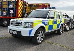 WX62JXD (Emergency_Vehicles) Tags: show road force police rover land service tri emergency wiltshire discovery unit 032 2015 policing wx62jxd