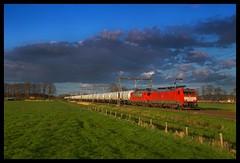 DB Cargo 189 067, Rijssen 17-04-2016 (Henk Zwoferink) Tags: nederland siemens db cargo overijssel henk dbs 189 schenker dbc 1614 067 hemiksem rijssen br189 styreen es64f4 zwoferink