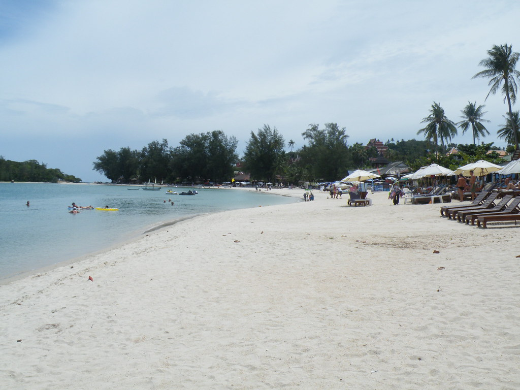 Not too crowded beach scene, Choeng Mon, Ko Samui, Thailand